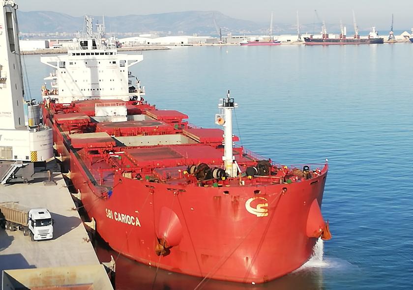 Portsur recibe el bulk carrier más grande de la historia del Puerto de Castellón, con 80.000 toneladas de arcilla