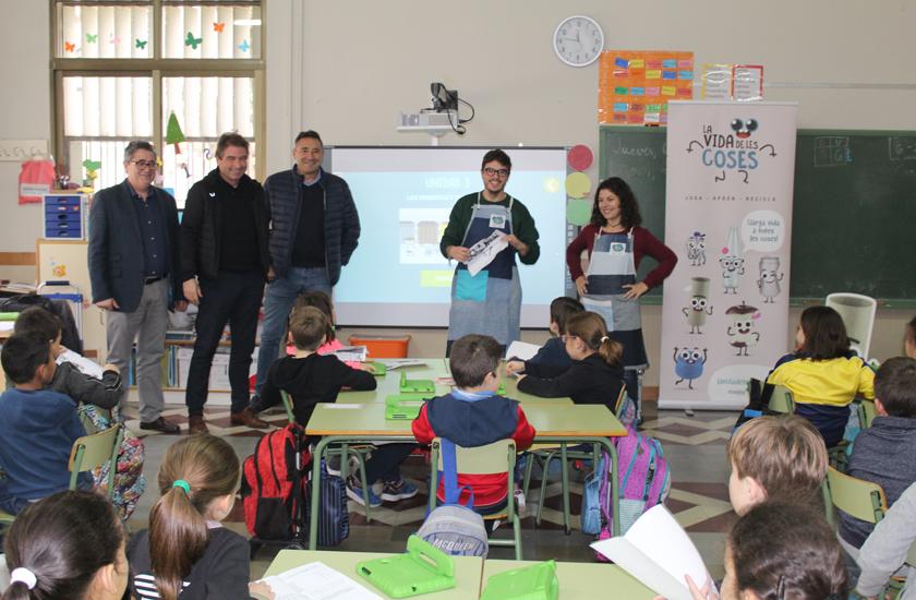 El Ayuntamiento de Nules y FOBESA llevan a las aulas el innovador proyecto educativo y de concienciación ambiental 'La Vida de las Cosas'