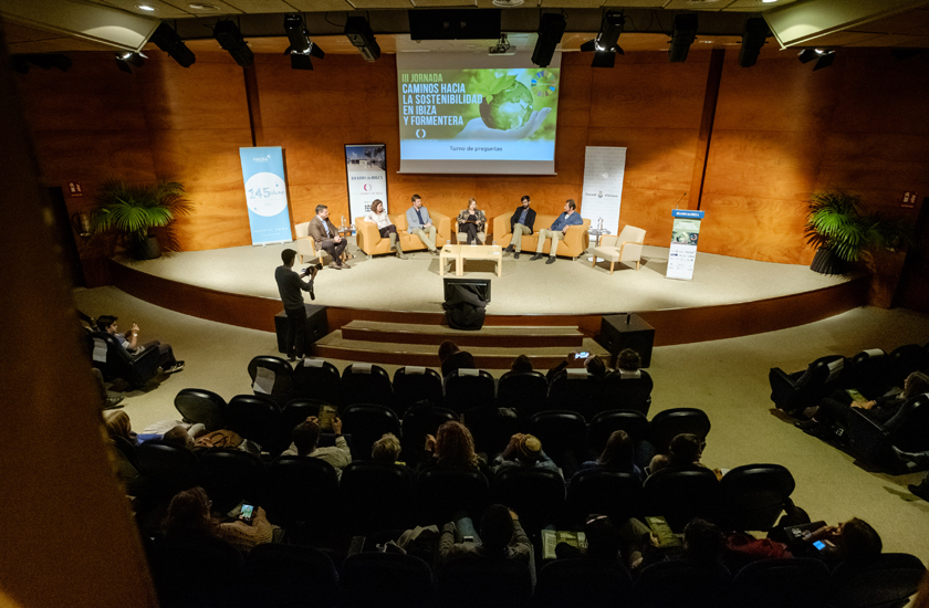 FACSA analiza en Ibiza cómo ayudar a construir ciudades sostenibles desde el sector del agua