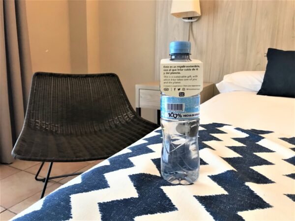 botellas-recicladas-intur-hoteles
